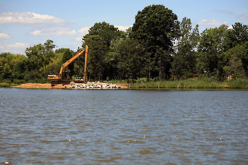 Living shoreline construction along the Chester River